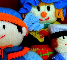 Knitted Dolls Fun 4 by Renata Lombard