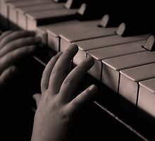 Baby Grand Hands by maplesyrupmolg