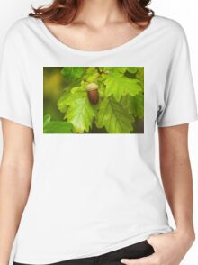 Fruit of an Oak tree ripe in autumn Women's Relaxed Fit T-Shirt