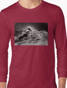 Winter Waves At Pipeline 13 Long Sleeve T-Shirt
