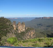 The Three Sisters and the Jamison Valley by epicDi