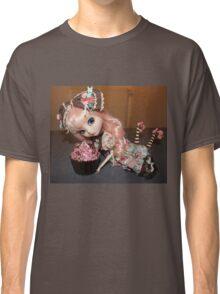Greedy doll Classic T-Shirt