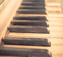 Old Piano by Edward Fielding