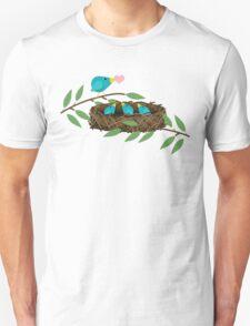 Bluebirds Mommy Feeding Baby Birds Love T-Shirt
