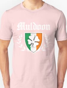Muldoon Family Shamrock Crest (vintage distressed) T-Shirt
