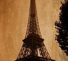 Eiffel Tower by andreaanderegg