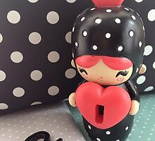 Momiji Doll - Pointy (Iphone-Ipod) by Alpinoalves