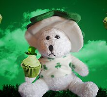 TEDDY WITH SAINT PATRICKS DAY CUPCAKES  by ╰⊰✿ℒᵒᶹᵉ Bonita✿⊱╮ Lalonde✿⊱╮