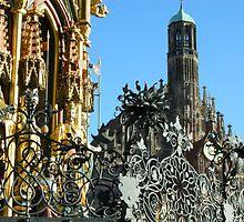 Nürnberg - Hauptmarkt - Schöner Brunnen und Frauenkirche by Franz Roth