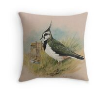 Lapwing at Blakeney, Norfolk Throw Pillow