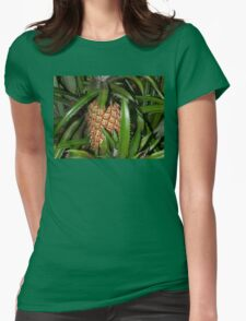A growing pineapple Womens Fitted T-Shirt