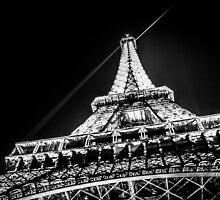 Eiffel Tower / Tour Eiffel by maophoto