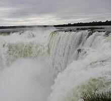 Devils Throat, Iguazu Falls Argentina by bsauvey