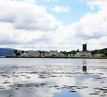 Inveraray Town Reflections by velo