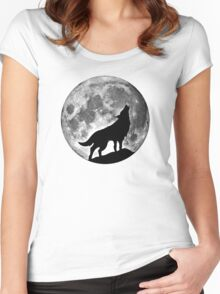 Wolf on the moon Women's Fitted Scoop T-Shirt