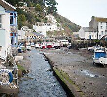 Polperro fishing village, Cornwall by photoeverywhere