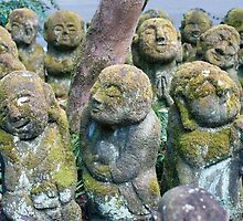 Cute Otagi Nenbutsu-ji Statues by photoeverywhere