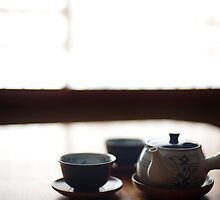 japanese tea pot and cups by photoeverywhere