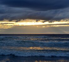 Golden sky over the sea by lfoliveira