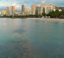 Waikiki beach and hotels by photoeverywhere