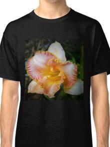 Peach daylily Classic T-Shirt