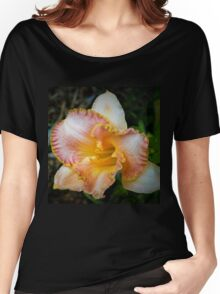 Peach daylily Women's Relaxed Fit T-Shirt