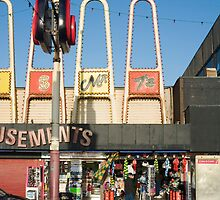 Blackpool amusement arcades by photoeverywhere