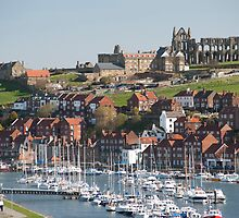 Whitby upper harbour and abbey ruins by photoeverywhere