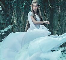 Lady Galadriel by Lopti