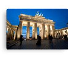 Night view of the Brandenberger gate Canvas Print