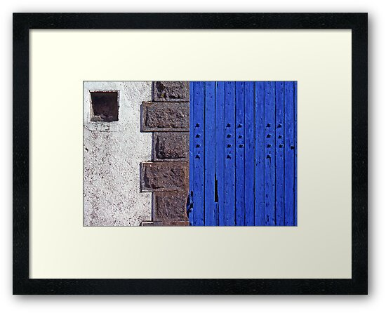 Blue door by cclaude