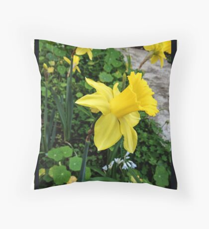 Daffodils and Wild Onion Throw Pillow