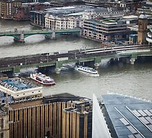 London Bridge by timkouroff