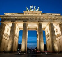 brandenburg gate floodlight by photoeverywhere