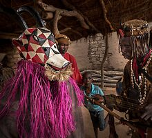 Donso Hunters Mask in Samogohiri by Lorenzo Ferrarini