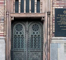 Neue Synagoge Door by photoeverywhere