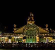 Lets have dinner in Covent Garden  by MarcW