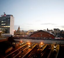Glasgow Queenstreet Station by photoeverywhere