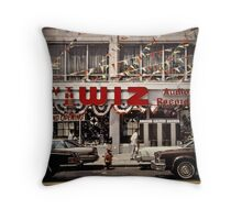 New York Vintage I Throw Pillow