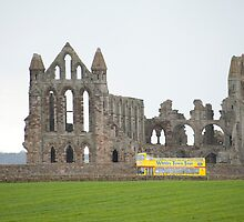 whitby abbey tour bus by photoeverywhere