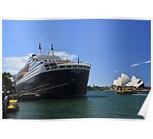 Queen Mary 2. Poster