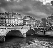 Paris Black and White by Patrycja Polechonska