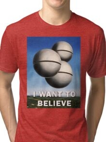 Magritte - I Want To Believe Tri-blend T-Shirt