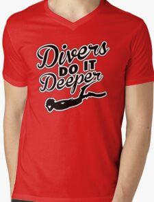 Divers do it deeper Mens V-Neck T-Shirt