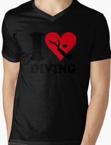 I love diving Mens V-Neck T-Shirt