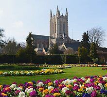 St Edmundsbury Cathedral by jmfotoz