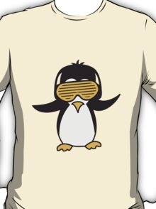 Party DJ party music funky Penguin T-Shirt