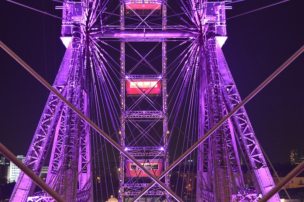 Ferris Wheel at Night by lebencivengo
