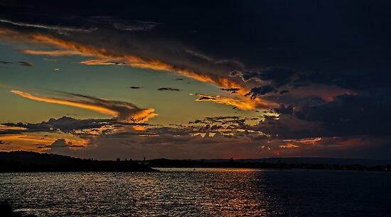 Sky of Anger, Sky of Beauty by bazcelt