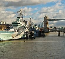 Belfast warship near Tower Bridge by StephenRB